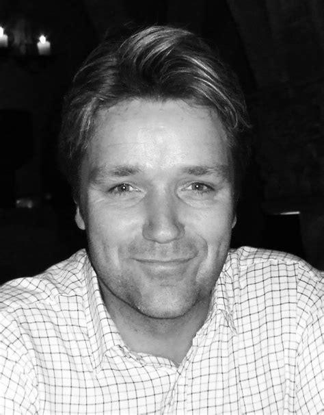 dean williams profile pic - Print & Marketing Blog