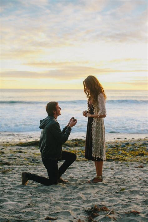 Best 20  Beach proposal ideas on Pinterest   Creative