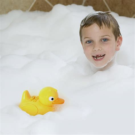 baby in the bathtub song iduck bathtub music thinkgeek