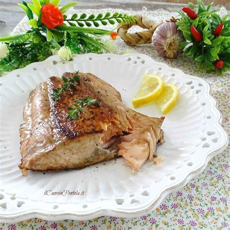 come cucinare il salmone in padella salmone in padella ricetta filetto di salmone in padella