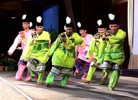 persembahan kebudayaan tarian tradisi kesenian gamelan kesenian persembahan kebudayaan tarian gamelan