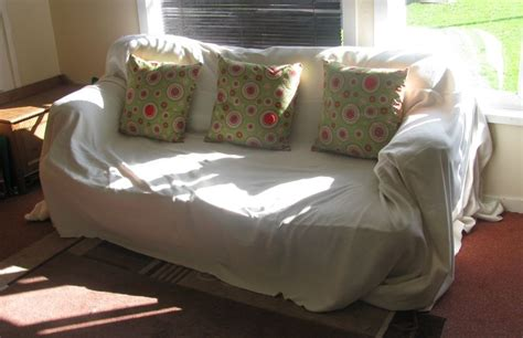 and easy sofa cover using fleece blankets quarter2home