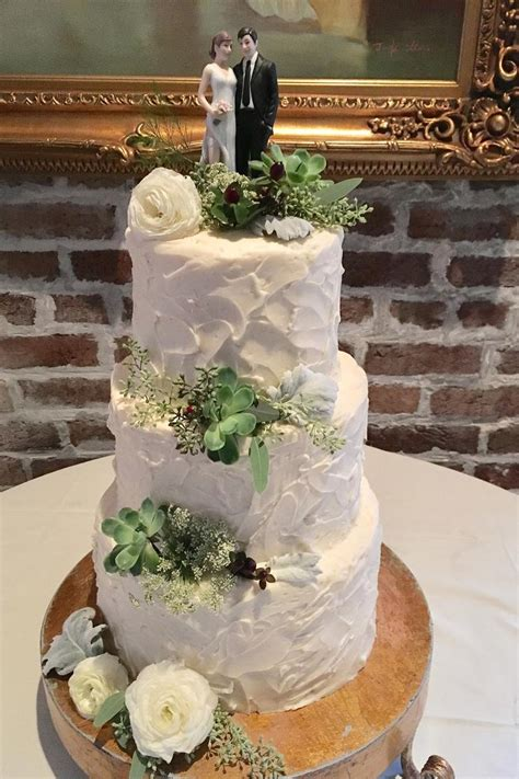 Local Wedding Cake Shops by Reasons To Consider A Local Wedding Cake Bakery Southern