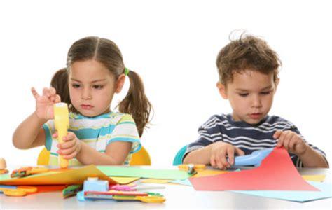 craft with children ni 241 os creativos de hoy adultos innovadores de ma 241