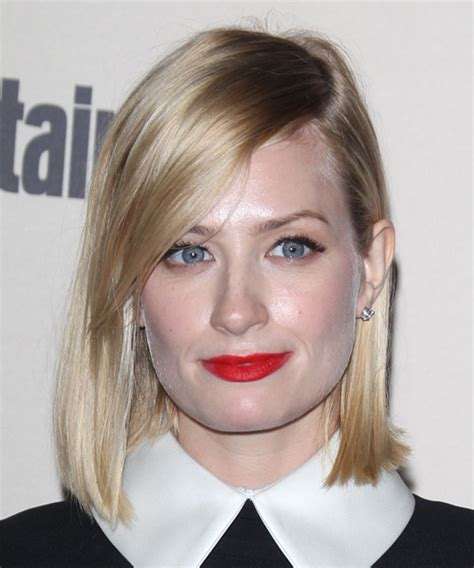 beth behrs hairstyle wavy medium beth behrs medium straight casual bob hairstyle light blonde