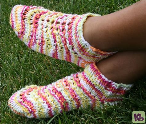 free pattern loom knit and weights on pinterest summer footies a fun pair of footies to wear during the