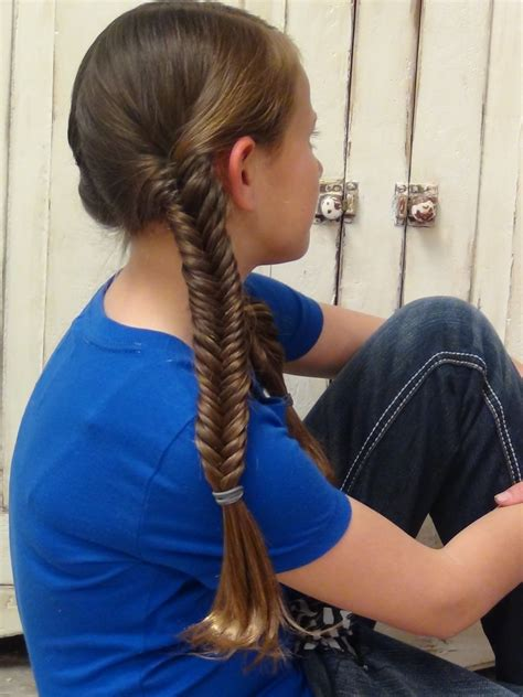 hunger games hairstyles glimmer how to braid a glimmer fishtail braid the hunger games