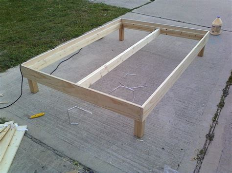 How To Make A Simple Bed Frame This Week In The Shop A Bed Frame Woodshopcowboy