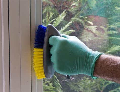 Fenster Flecken Eingebrannt by Fensterrahmen Putzen 187 Tipps Tricks Zum Saubermachen