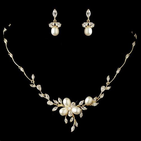 wedding jewelry if you are confused in choosing wedding necklace you can