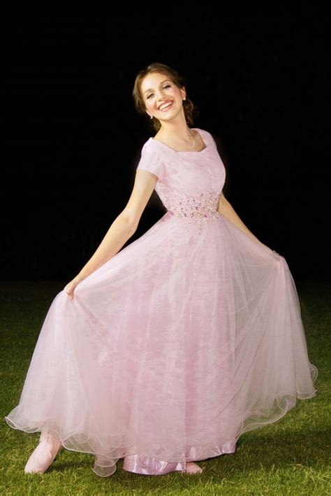 modest wedding dresses in atlanta ga best 25 mormon prom ideas on sherri hill white modest formal dresses and modest