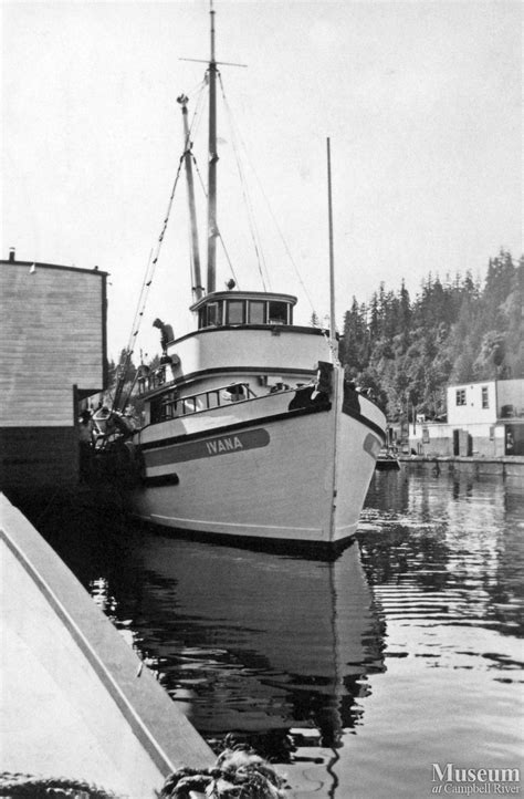 packers bay boat r c scow and bc packers seiner quot ivana quot at quathiaski