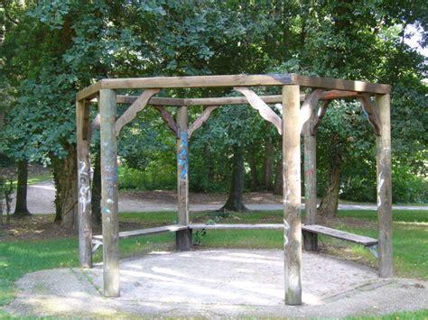 pavillon schutzdach pavillon im stadtpark bekommt kein neues schutzdach