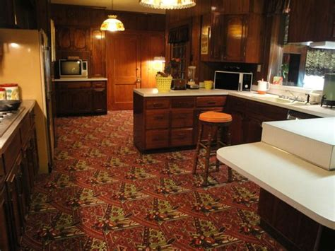 Carpeted Kitchen by Kitchen Carpeted Floor Picture Of Graceland