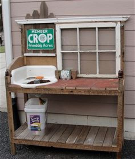 corner potting bench things you can make with pallets on pinterest pallets