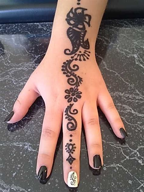 henna tattoo and nails 59 best images about henna nails on nail