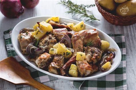 cucinare il coniglio al forno ricetta coniglio al forno la ricetta di giallozafferano