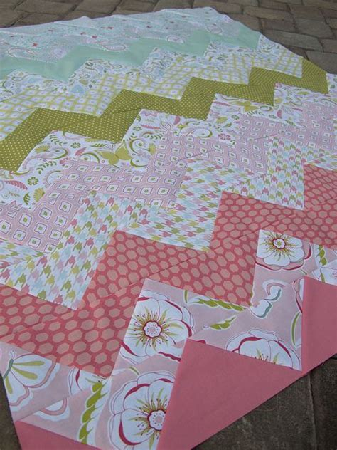 zig zag quilt pattern using triangles 1000 ideas about owl quilt pattern on pinterest owl