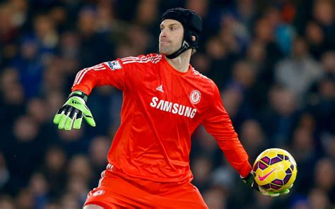 arsenal goalkeeper deal close chelsea goalkeeper petr cech agrees terms with