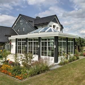wintergarten orangerie orangerie wintergarten in holz aluminiumausf 252 hrung in der