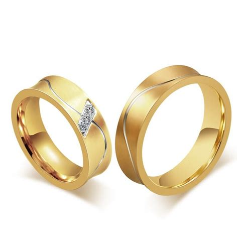 Fashion 18k Gold Couple Rings for Men Women Smooth Design Engagement Lover Ring Jewelry Party