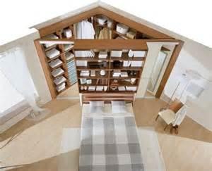 begehbarer kleiderschrank englisch begehbarer kleiderschrank in der ecke des schlafzimmers