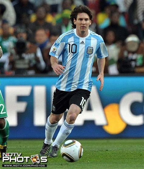 lionel messi biography in spanish lionel messi s life in pics photo gallery