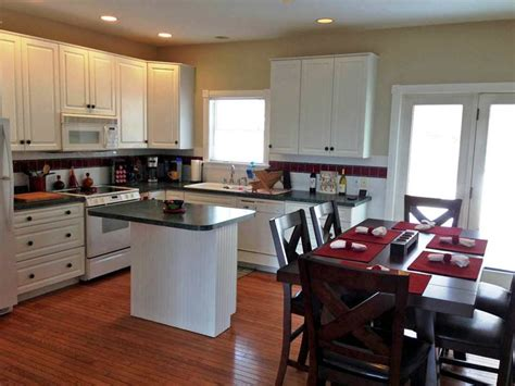 Hilltop Kitchen by Harbor Hilltop Harbor Springs Vacation Rental