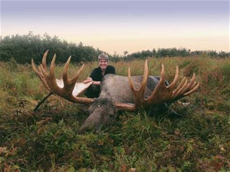 deer breeds taking the largest deer species sportsmans news