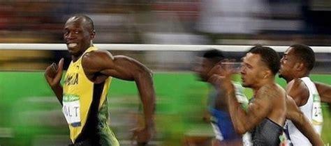 Usain Bolt Memes - olympic meme usain bolt s outrageous mid race smile captured on aussie s camera australian times