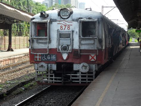 The trains in Mumbai part 1 | Iain in India's Blog