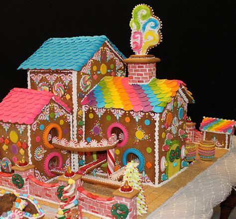 20 amazing gingerbread houses money