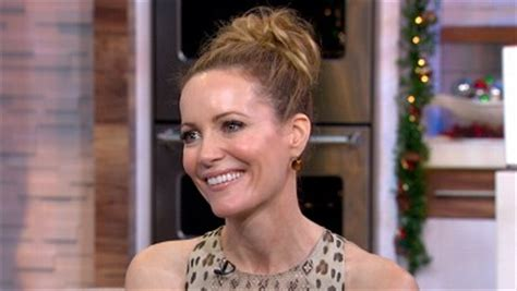 leslie mann interview jimmy fallon melissa mccarthy s weight attacked by critic rex reed