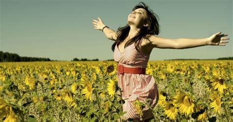 imagenes felices de la vida liberar tus emociones te hace m 225 s feliz bienestar180