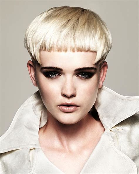 2012 trendy women hairstyles blonde 2012 trend color of blonde short hairstyle women hair