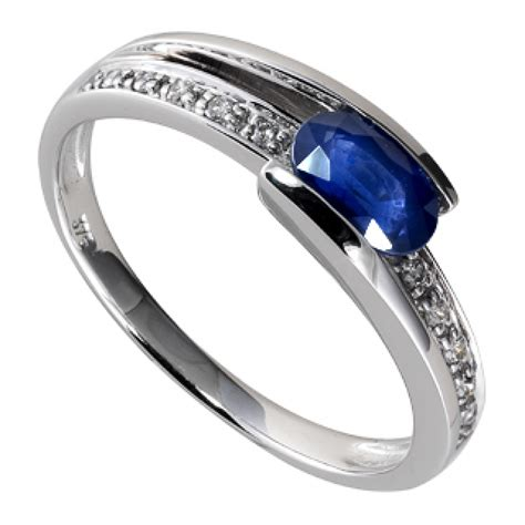 Blue Sapphire 9 95 Ct 9ct white gold sapphire and ring