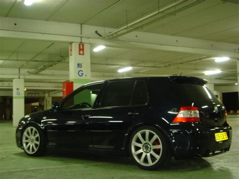 A8 Tunik Bordir Black jantes 17 pneu pour golf 4 recherche jantes