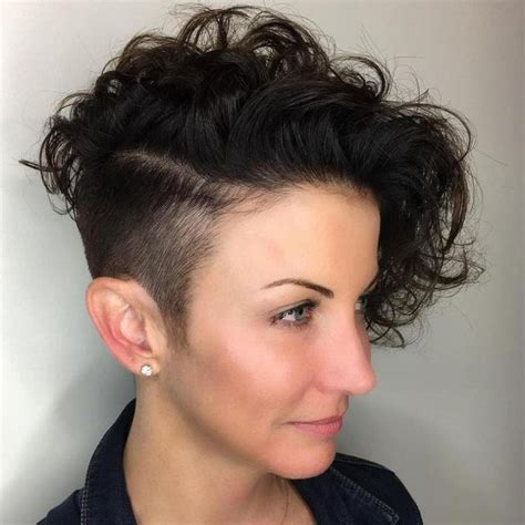 growing my hair after a asymetrical cut best 25 curly undercut ideas on pinterest