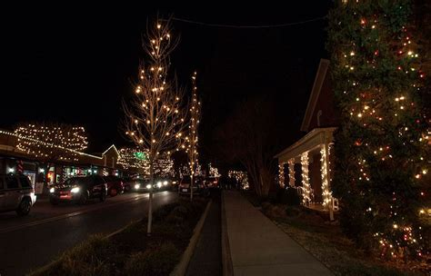top christmas bows charlottenc mcadenville christmastown usa in carolina