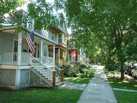 chicago houses for rent the chicago real estate local northcenter single family house rentals in high demand