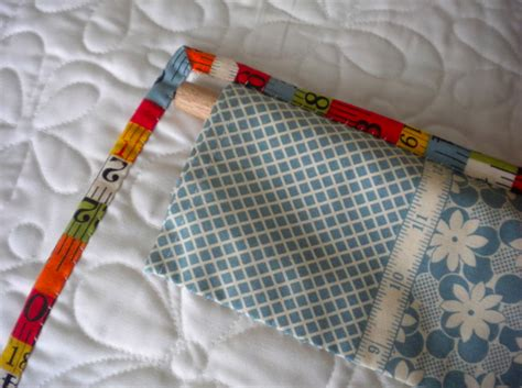 How To Make A Quilt Wall Hanging by Hanging Sleeves For Quilts Learn It Make It On