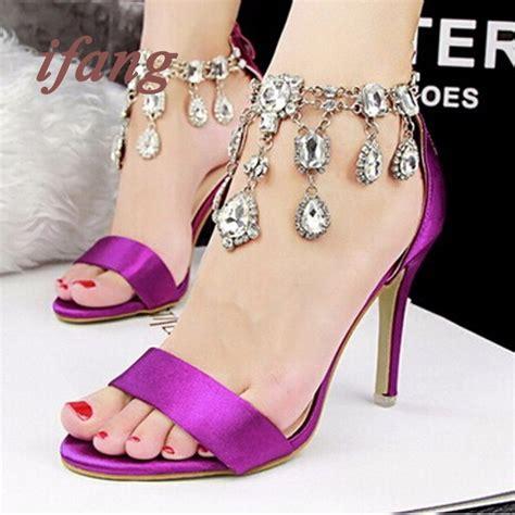 zapatillas con cadenas resultado de imagen para sandalias de tacon alto elegantes