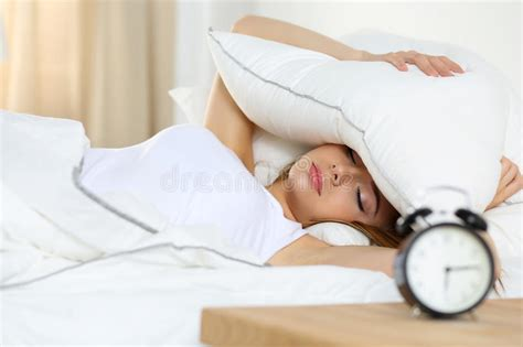 Lie For Sound With The Cubic Pillow by Beautiful Lying In Bed Suffering From