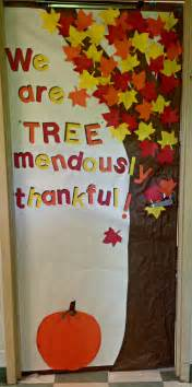 fall door decorations for preschool thankfulness tree classroom door i cut out leaves