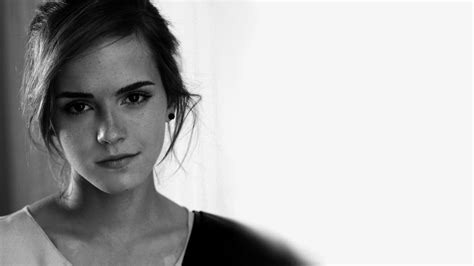 Black And White Wallpaper Of Actress | emma watson wallpaper black and white wallpaper
