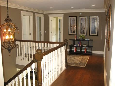 Second Floor Landing   Traditional   Hall   Chicago   by