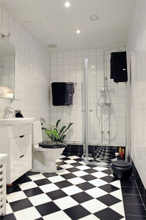 black and white bathroom tiles ideas c 243 mo pintar con pintura para azulejos