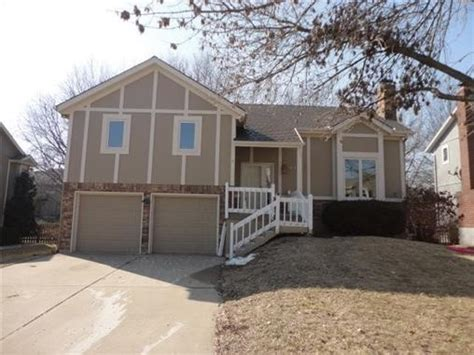 408 ne dr lees summit missouri 64086 foreclosed