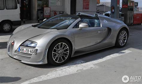 yellow and silver bugatti bugatti veyron 16 4 grand sport vitesse 19 august 2013