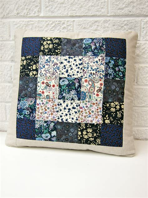 Free Patchwork Patterns For Cushions - tutorial simple squares patchwork cushion berry